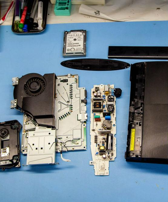 PS4 game console repair in London